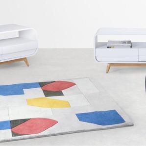 Esme, une table basse avec deux tiroirs, frêne et blanc