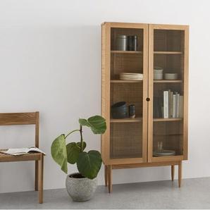 Liana, meuble cabinet tressé à portes de verre, frêne et rotin